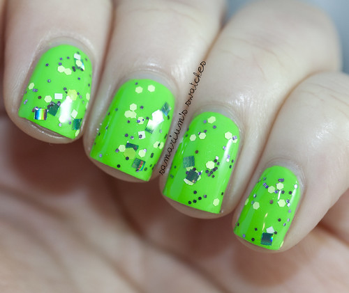 Pretty Inspired Polish Lettuce Leaf (1)