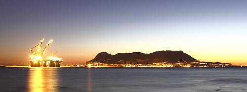 españa david sunrise canon alba playa andalucia amanecer nocturna reflexions cádiz islaverde franco dique algeciras reflejos plataforma thialf grimaldi 70300 largaexposición bahíadealgeciras 550d sangarcia dgrimaldi