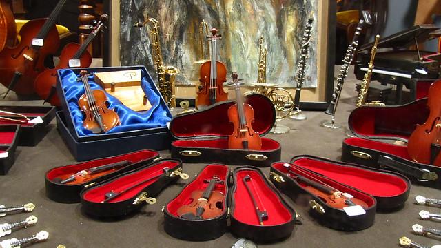 Miniature orchestra