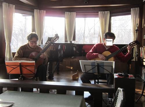 「優しい時間」オーナーと二重奏練習 2013年2月12日 by Poran111