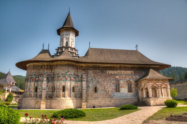 Buchenland, Bukovina, green-red, HDR, Lens Nikon 16-85mm f-3.5-5.6G ED VR DX AF-S Nikkor, Mănăstirea Sucevița, Romania, Sucevita Monastery.jpg