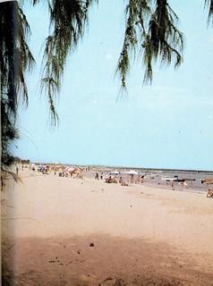 Guide to Lagos 1975 027 tarkwa beachjpg