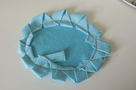 scrappy flower applique and coaster_6