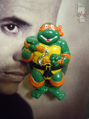 "HOPE INDUSTRIES ""TEENAGE MUTANT NINJA TURTLES"" Magnets :: 'HAPPY' MICHAELANGELO magnet (( 1988 ))"