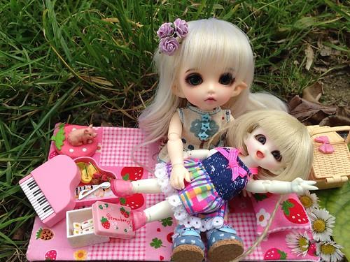 Bella love Cherry <3