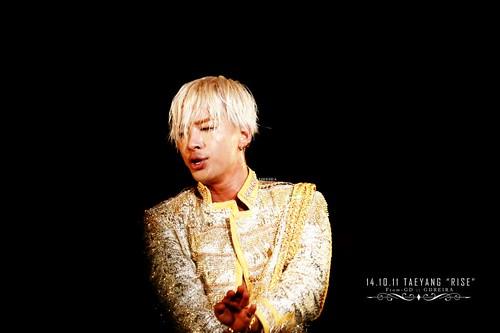 Taeyang-RISESeoul-day2-20141011_0_21