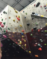 Top of corner yellow v0 #bouldering