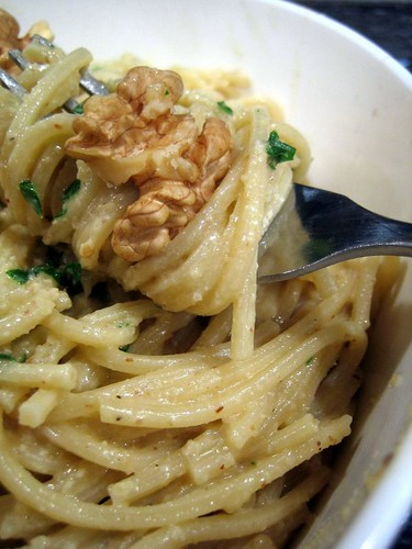 Pasta with Fresh Walnut Sauce