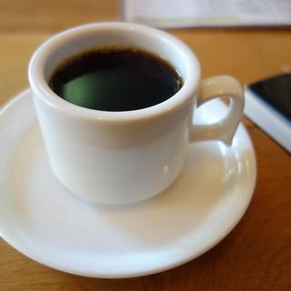 カフェイフニのコーヒー。後味がとても良かった。