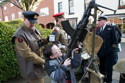 Learning about the Bren light machine gun
