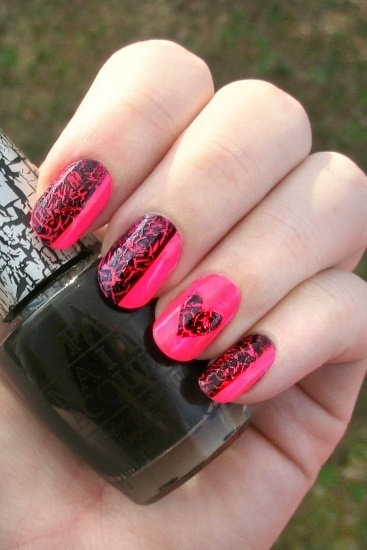 Neon Crackle Heart Manicure