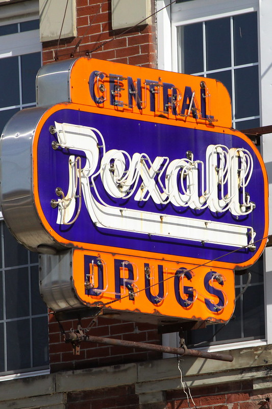 Central Rexall Drugstore neon sign - Jellico, TN