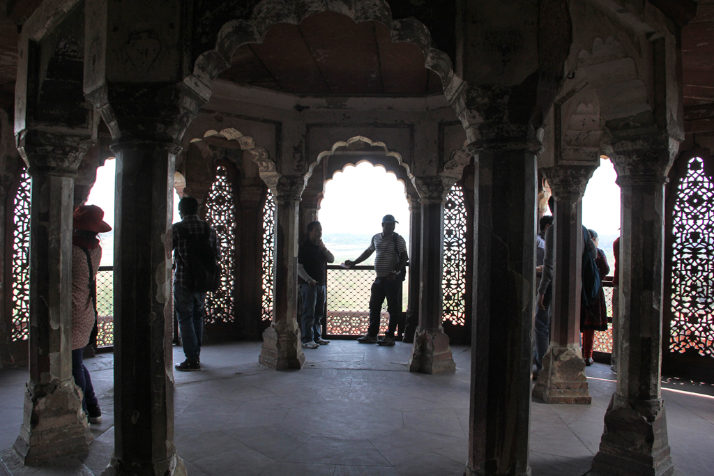 photos essay the incredible agra fort go backpacking agra fort in