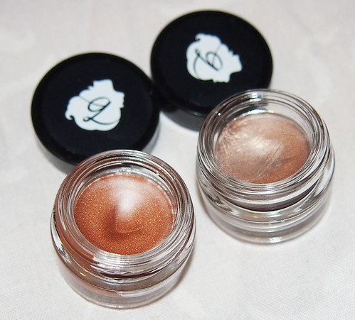 creaseless eyeshadow
