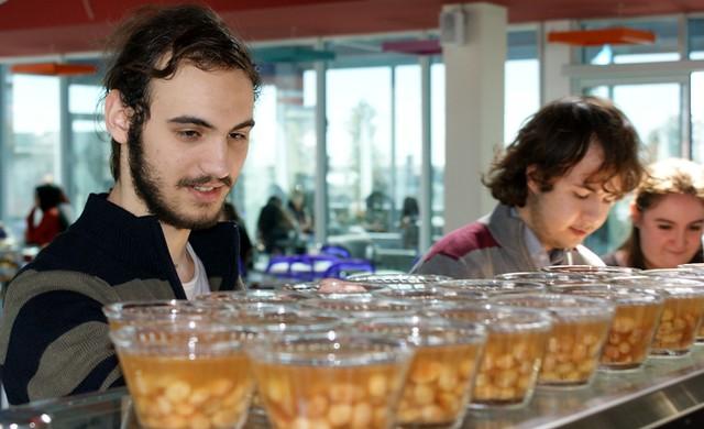 Üsküdarlı öğrenciler Şehit Menüsünü yedi