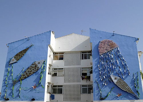 Murales Artísticos de Estepona (Spain): Azul y Plata (Blue and Silver) by the Moraga collective