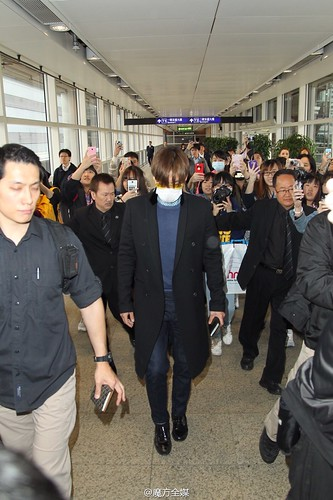 TOP Arrival HK 2015-03-13 by 魔方全媒 Weibo 05
