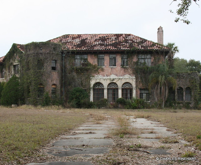 Old Abandoned Mansions for Sale http://www.flickr.com/photos/rinehart-video-productions/8350188056/