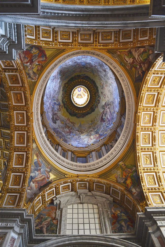 St.Peter's Basilica, ceiling