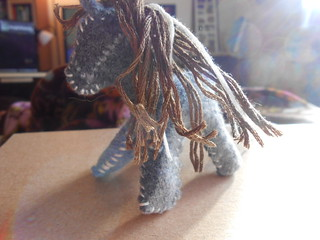 Hand Sewing 4- Mama's Mini Horse (4)