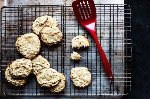 Vegan Cookies ai Pistacchi, Cardamomo e Acqua di Rose