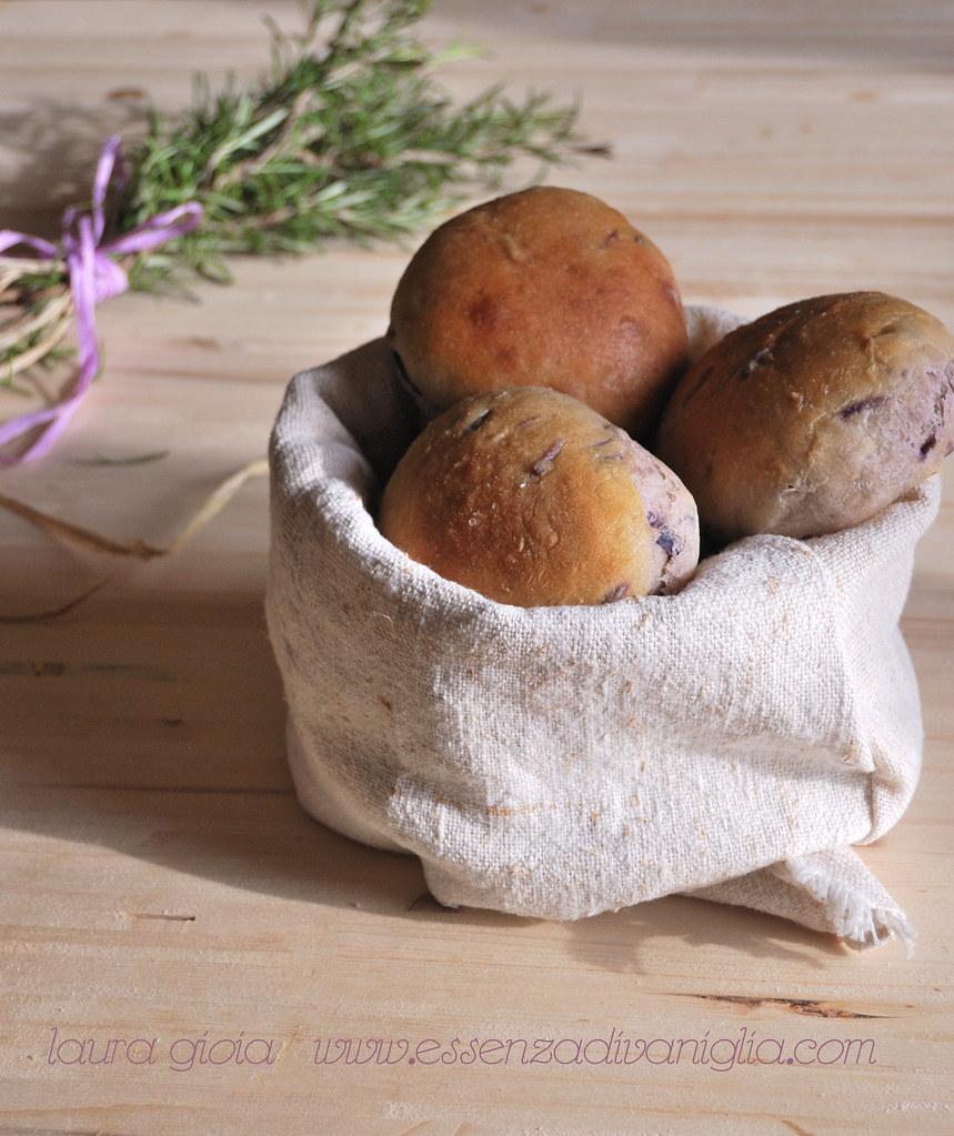 focaccine di patate viola