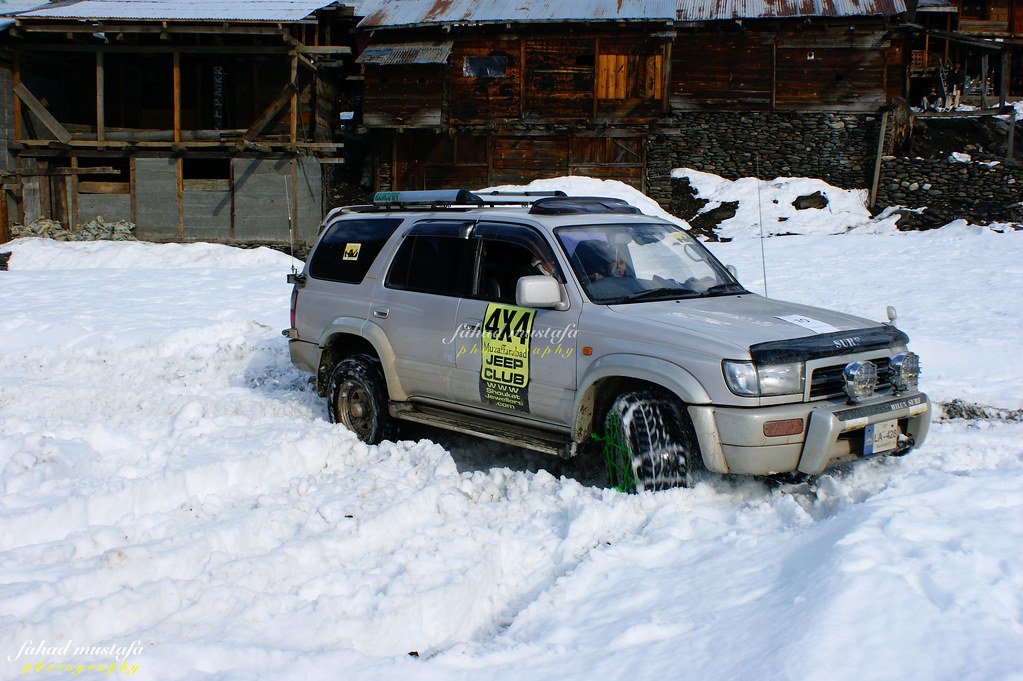 Muzaffarabad Jeep Club Neelum Snow Cross - 8472018712 0f73671273 b
