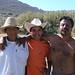 Hombres cortando trigo - Men cutting wheat; Magdalena Jaltepec, Distrito de Nochixtlán, Región Mixteca, Oaxaca, Mexico por Lon&Queta