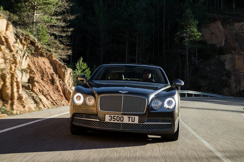 2014 Bentley Continental Flying Spur Front Motion