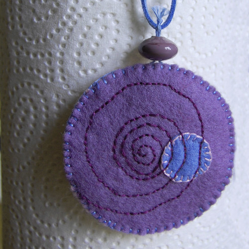 Felt pendant necklace - front