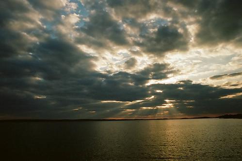 sunset color film canon kodak southcarolina a1 canona1 lakemurray kodakportra400 2013 lakemurraydam crespularrays colorfp