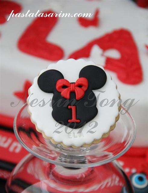 minie mouse cookies (Medium)