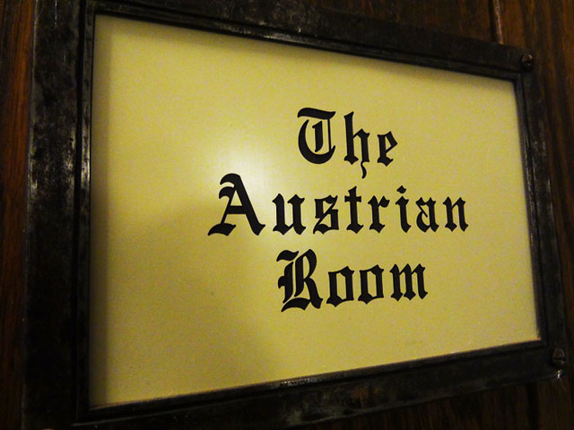 austrian-room-sign