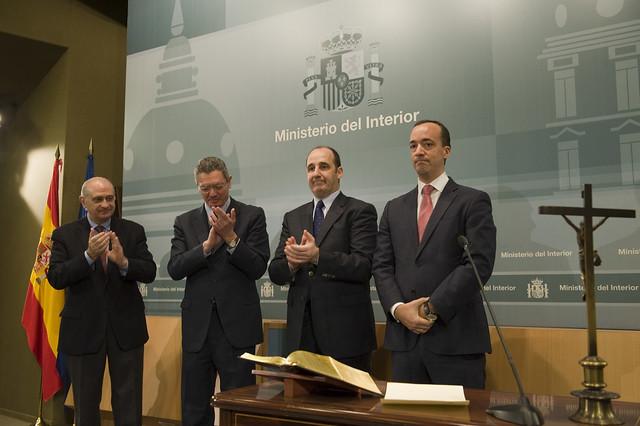 8380532774 53cf022eac for Escuchas ministro del interior