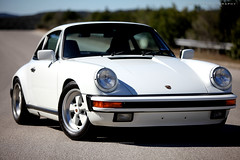 ruf ctr(0.0), porsche 911(0.0), porsche 912(0.0), porsche 959(0.0), convertible(0.0), automobile(1.0), automotive exterior(1.0), wheel(1.0), vehicle(1.0), performance car(1.0), automotive design(1.0), porsche(1.0), porsche 911 classic(1.0), porsche 930(1.0), land vehicle(1.0), coupã©(1.0), sports car(1.0),
