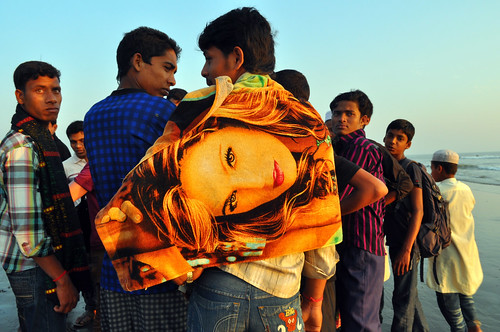 sunset people beach boys girl nikon crowd towel 28 michał coxsbazar banglades nikkor1755mm pachniewski