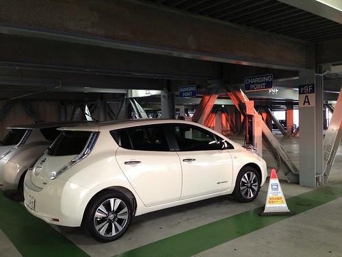 横浜ワールドポーターズ駐車場 EV充電設備