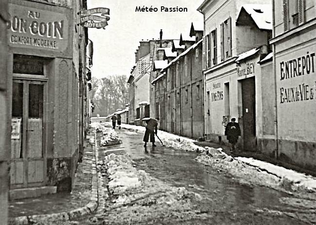 déblaiement de la neige dans les rues de Fontainebleau après les fortes chutes de neige du début mars 1946 météopassion