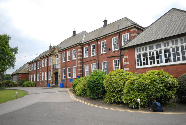 Holly Lodge school