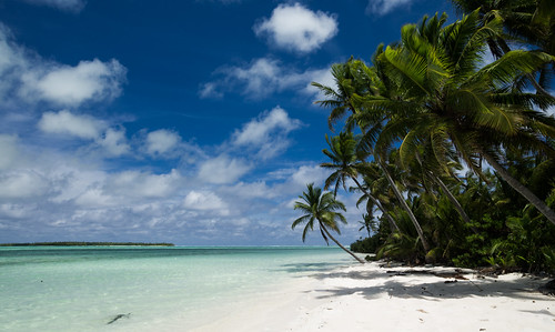 sky beach water clouds work palmtrees cocos resolute