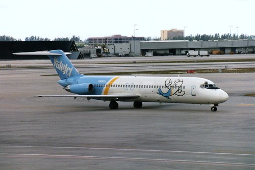 MIAMI MARCH 1995 VALUJET DOUGLAS DC9 N905VJ
