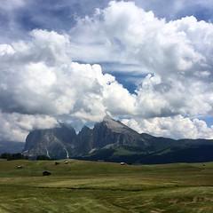 Tra qualche giorno sarai nostro #italia #dolomiti #sassolungo #visioninwhite
