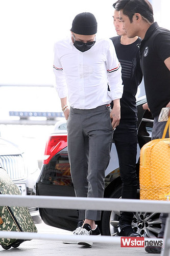 BIGBANG Incheon Airport to Shanghai Press 2015-06-19 062