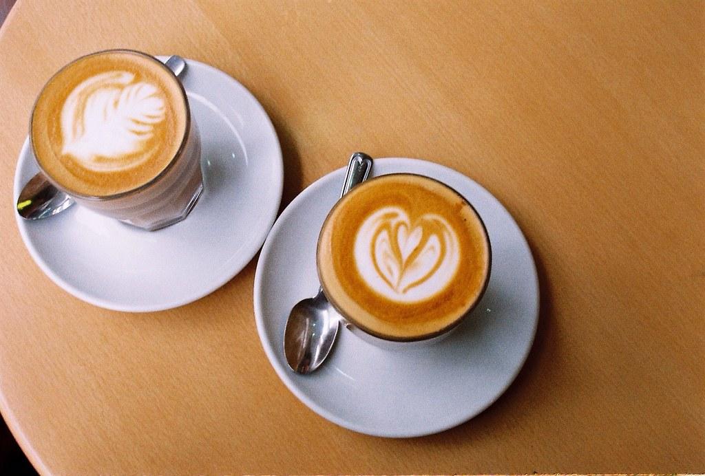 和你一起在下雨天喝咖啡吃薯條還有說話。