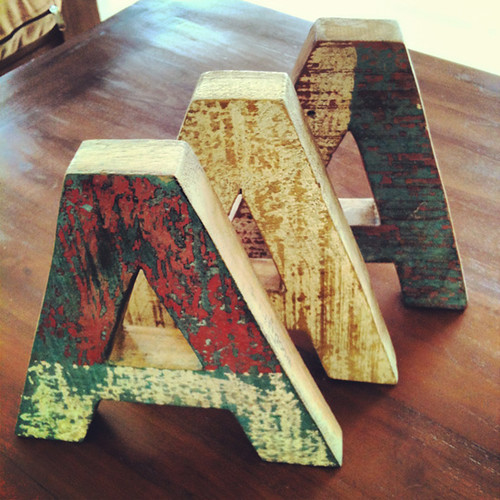Mr Cup Wood letters - Helvetica collection 1 - recycled teck