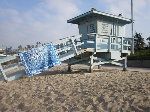 Blue OBW on lifeguard shack