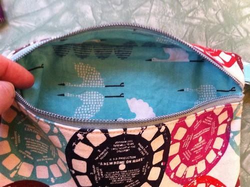 Viewmaster Zip Bag with Cranes lining