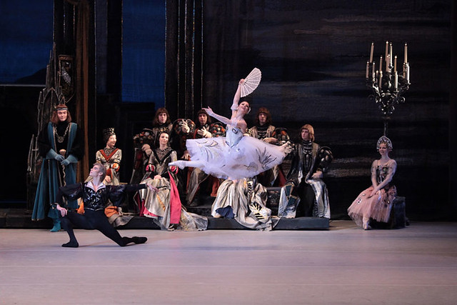 Anna Tikhomirova in Swan Lake | Photo by Damir Yusupov
