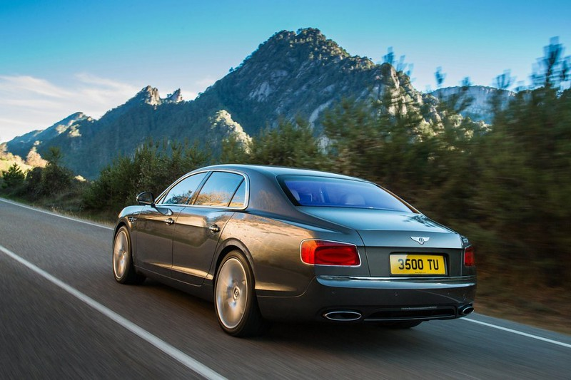 2014 Bentley Continental Flying Spur Rear Side Motion