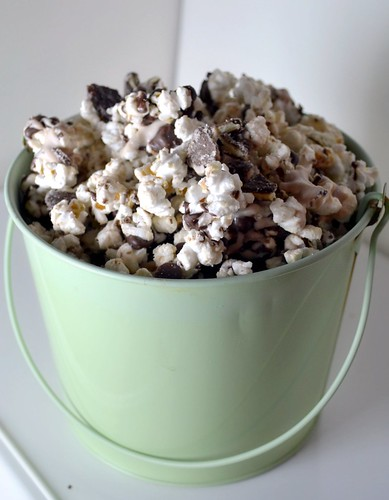 thin mint popcorn in mint colored bucket